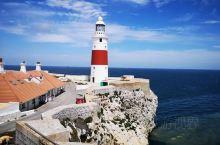 打卡直布罗陀海峡。直布罗陀海峡位于西班牙最南端和非洲西北部之间、连接地中海和大西洋全长约90公里,宽