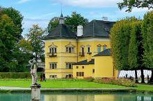 奥地利 海尔布伦宫。海尔布伦宫位于萨尔茨堡市郊南面6公里处,建于17世纪,是当时大主教的夏宫,豪华的