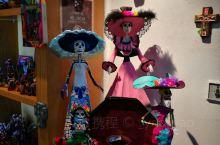 墨西哥感觉很南美,很热情的一个城市,看了电影007和那部动画片之后对墨西哥的亡灵节超级向往~,可惜苦