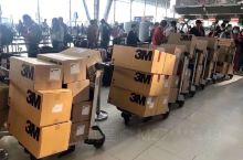 泰国旅行,真好遇到捐赠给中国的口罩机场装机