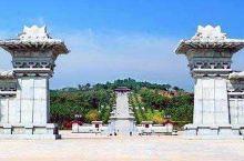 芒砀山位于河南省永城市芒山镇,是国家5A级旅游胜地,景区宽阔,景色优美,空气新鲜,有种世外桃源的感觉
