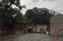 今天给大家介绍黄姚古镇随手拍系列4的景点 古戏台  ,戏台始建于明朝嘉靖三年,距今已有400多年的历