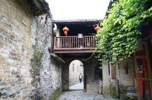 这多年来,自己一个去了不少古镇,最让我喜欢的就是还是黄姚古镇,有股扑面而来的时间沉淀后的味道。古镇原