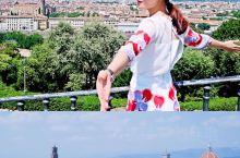 在佛罗伦萨一定要做的事情—在米开朗基罗广场驻足远眺       为什么向往意大利这个国度呢?这话还得