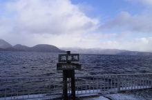 来北海道洞爷湖泡温泉,这边的景色非常不错,空气也很好。虽然冬天去雪下的很大,但是湖水也没有结冰,湖边