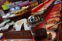 色达 色达·甘孜  贡嘎酒店的五楼,一人一口锅的火锅,超级好吃,牛肉特新鲜,很多本地佛学者都来这品尝