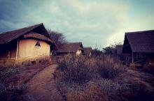 肯尼亚🇰🇪安博塞利国家公园附近的AA帐篷⛺️酒店,远处便是非洲第一高峰乞力马扎罗山[可爱]  
