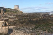 爱尔兰的城堡和爱尔兰的大海,爱尔兰的阳光和石头。