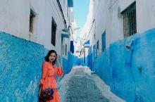 今天是默罕默德五世皇陵,《碟中谍》取景地! 没想到摩洛哥的景色也是如此美丽!!色彩斑斓的街景,天海街