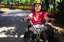#斜坡滑车#我是在携程买的票,比现场买便宜!当时买的是四次的票,坐了三次就没去坐了。太多人 每一次排