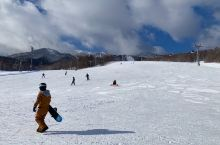 昨天滑雪场及沿途的美景。