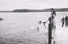 Jumpshoot  汤加除了观鲸,去看下当地小朋友的玩乐也很有意思,回忆回到小时候。