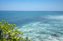 晒也值了~赶上超美海景~还有小哥哥们在冲浪~