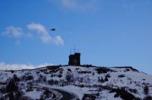 #信号山# 顶着大风爬上信号山,异常的寒冷,但走到山顶还是出汗了!虽然风刮到脸上如刀割,异常的大的大