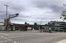 疫情到底有多惨?看这空无一人的温哥华正午的街道