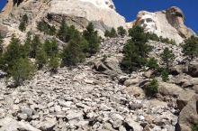 美国总统雕像山,由四位美国总统的头像组成,位于美国南达科他州基斯通附近的美利坚合众国总统纪念公园,雕