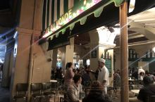 #Cafe Du Monde#  新奥尔良最有名的网红咖啡厅无疑是这一家Cafe Du Monde世