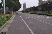 民权高铁站前风景,比起睢县,强太多