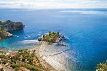西西里的魅力之地,美到神魂颠倒  我的这趟西西里之旅,完全没想到自己会被这依山傍海的山城—— 陶尔米