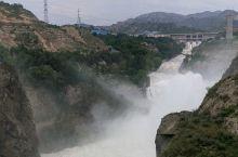 气势磅礴的刘家峡大坝泄洪