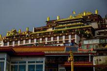 甘孜,一个可以触摸天堂的地方!在很多人眼中,西藏是信仰的天堂,但如果你只知道西藏的迷人美景。那是因为