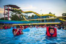 红安人的水上乐园,数十多种炫酷玩乐项目 ,一万平米的海啸造浪池,华中独具特色水上乐园 ,黄冈市首家主