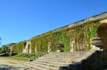 波尔多市中心的绿洲  和老婆在波尔多市中心闲逛的时候邂逅了这座公园,可以说是这座美丽城市中心的一片绿