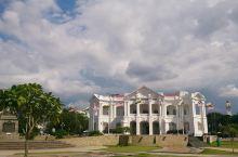 怡宝火车站—结合了摩尔风格和维多利亚式设计风格于一体的火车站  怡宝火车站是在马来西亚的首府城市怡宝
