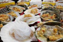 海鲜敞开吃  不限量哦 太原迎泽西大街的国际能源中心A座新开了一家蚝英雄,不贵,98元海鲜敞开吃。生
