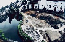 """为什么叫""""钟池""""?原因在于建这个村的地形有关。这个村的格局是按照""""八阵图""""来设计的,地形如同一口大锅"""