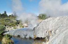 """旅拍回忆录.""""硫磺城""""Rotorua(罗托鲁瓦)。罗托鲁瓦地区是新西兰最重要的地热活动区之一。这里有"""