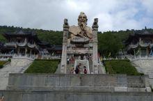 元符万宁宫坐落在茅山积金峰,与大茅峰遥遥相望,简称元符官或印宫。