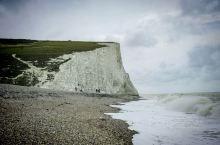 超震撼的七姊妹白崖,打卡Windows系统桌面取景地!  🏞七姐妹悬崖是英国南部很有特色的景点,可以
