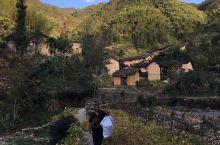 实际拍摄地是开化九溪龙门景区后的外山土楼古村落,山里的交通不便,村民很淳朴!有免费的开水提供,还给吃