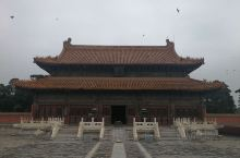 清西陵是世界文化遗产。规模很大,景色宜人。清西陵是清代自雍正时起四位皇帝的陵寝之地,始建于雍正八年(