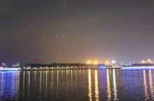 人才公园现在是深圳新的网红打卡地,环境优美,特别是晚上的灯光秀更是一种震撼。