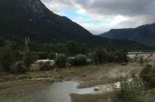 波密的米堆河是非常值得一去的景点,来这里目的地旅游的人大多会选择的这个景点。米堆河是雅鲁藏布江下游的