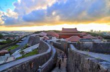 今天凌晨,日本冲绳的世界文化遗产首里城发生大火,正殿被完全烧毁!首里城建造于13-
