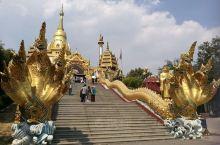 云南芒市勐焕大金塔、勐巴娜西珍奇园和树包塔景区。