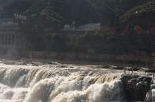 山西,黃河壶口大瀑布。中国第一大瀑布,黃河兩側東西兩面,為山西和陝西。我是從山西這边看,宏偉壯觀,氣