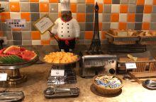 打卡襄阳美居酒店早餐,早起吃早餐,挺不错的,我估计我是第一个进餐厅的人!吃个牛肉面,回去睡个回笼觉!