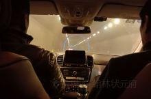 去三门峡旅游,如何解决停车难呢?三门峡市属于豫西丘陵山区,1957年伴随着万里黄河第一坝--三门峡大