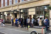 #贝蒂茶屋Betty's TeaRoom#  亮点特色: 约克最具特色的茶屋,这里有最好的下午茶。