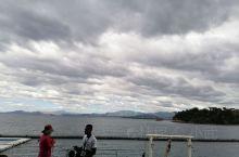 菲律宾的苏比克湾原是美国的海军基地,被菲律宾收回后开发为旅游岛,看了海豚和海狮表演,很不错。