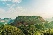 丹霞山( 中国红石公园),位于广东省韶关市仁化县境内,东经113°36′25″至113°47′53″
