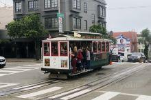 来旧金山必须要体验铛铛车  推荐理由: 在旧金山,你会发现铛铛车在起起伏伏的街道上来回穿梭,绝对是一