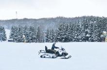 安比滑雪场拥有从12月至次年5月的超长雪季,今年如果是樱花季来东北赏樱的小伙伴,也可以来安比高原滑个
