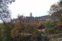 """美丽的峨庄,有北方的""""九寨沟""""之称,青山绿水,绿树成荫,高塔耸立,历史悠久,有名的佛教圣地,""""三教堂"""