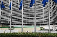 比利时布鲁塞尔欧盟总部门前。