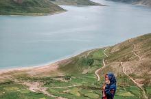 西藏旅行丨一生不能错过的羊湖全攻略  如果你来到了西藏拉萨,一定不能错过羊湖。羊湖,全名叫做羊卓雍措